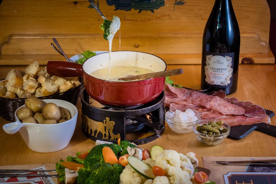 raclette and fondue menu tremblant restaurant la savoie. Black Bedroom Furniture Sets. Home Design Ideas